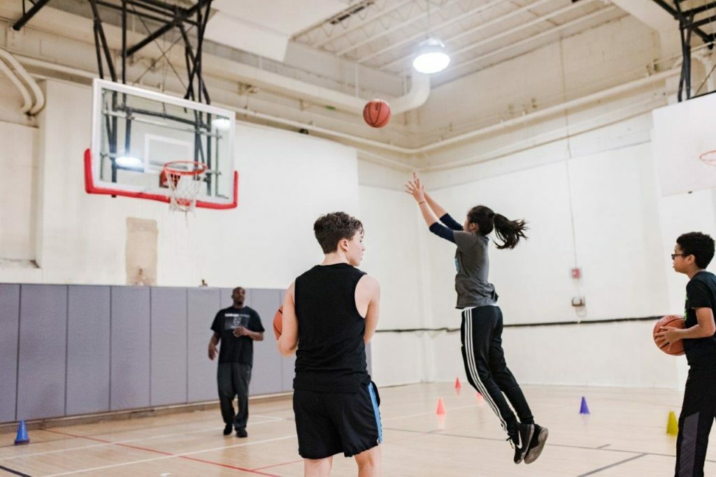 Indoor Basketball Court NYC | Manny Cantor Center